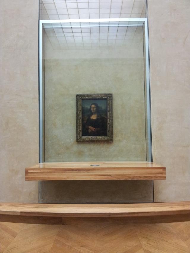 Mona, de longe